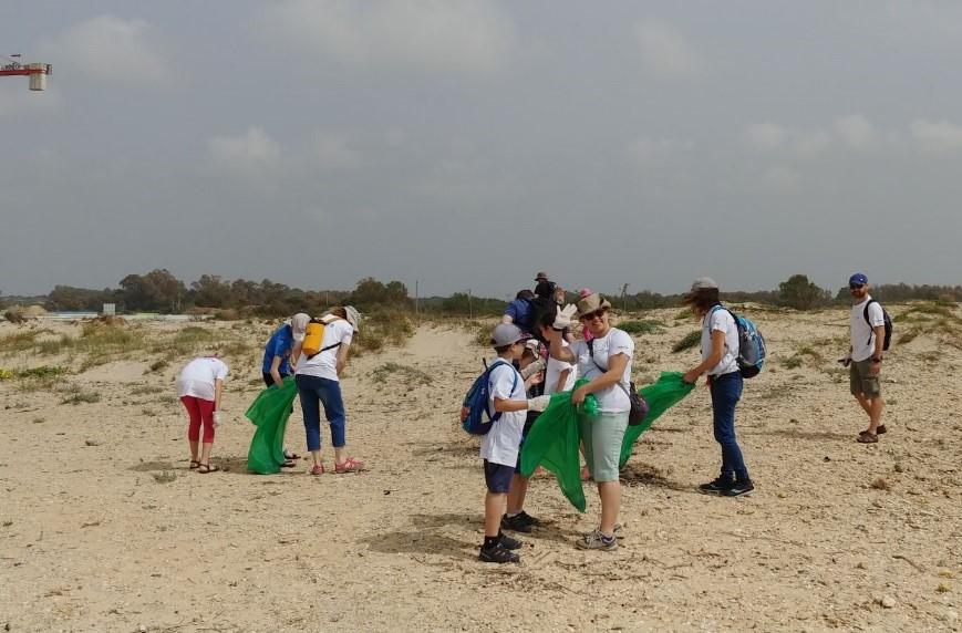 Western Digital Israel beach clean up